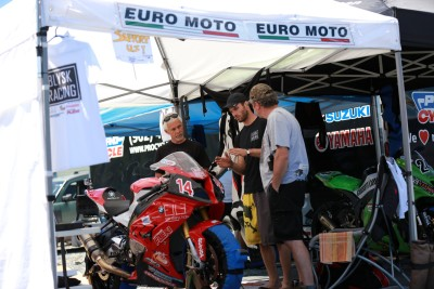 Explaning how BMW made a new chassis on the S1000RR 2015